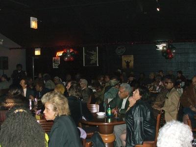 Checker crowd