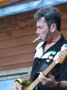 Lavelle White's guitarist