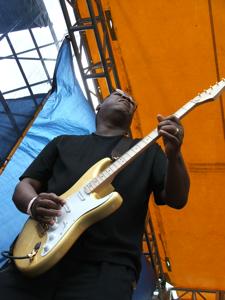 Grooveshaker's guitars