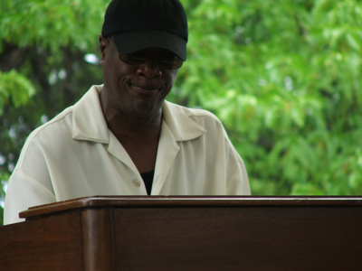 Chick Rogers' organist