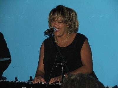 Lynn Hilton